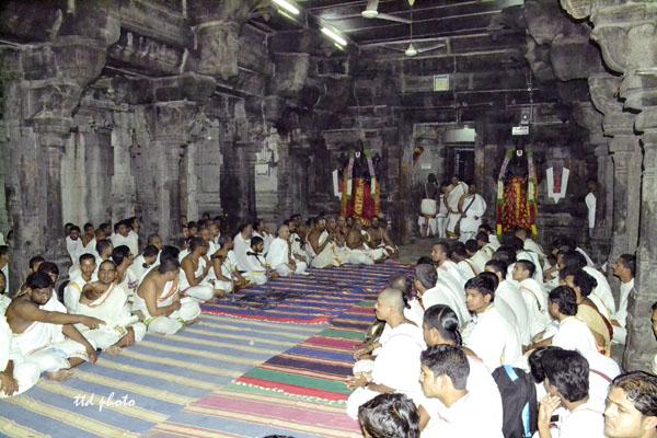 vedaparayanam in nagalapuram temple copy