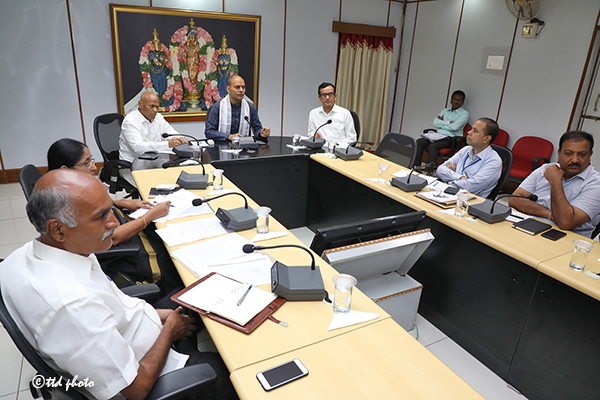 EO MEETING WITH SENIOR OFFICERS2