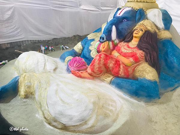 Sand sculpture of Lakshmi varahaswamy1