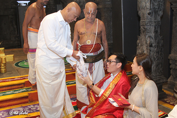 THAILAND DEVOTEES CAME FOR SRIVANI TRUST DARSHAN3