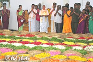 procession of flowers 04