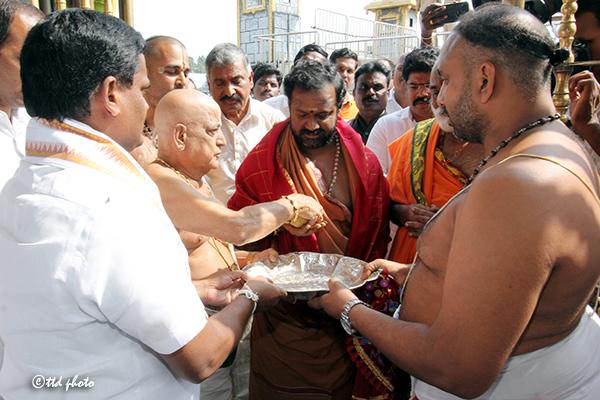 sri sakthi ammal swamy temple vellore6
