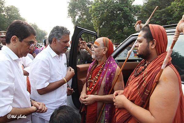 Sri Swaroopananendra Saraswathy Swamy Sarada Peetham 6