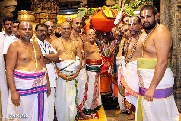 procession of padi9