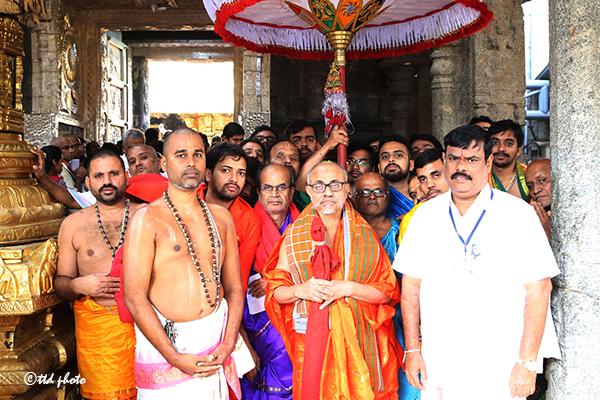 sri sri vidyesha theertha swamiji 02