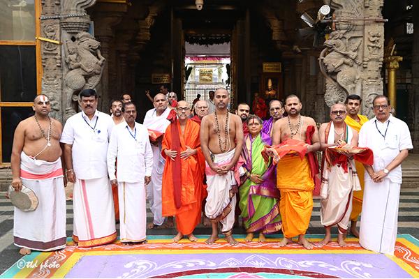 sri sri vidyesha theertha swamiji 04
