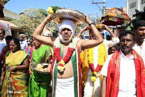 vastram to sri mulasthanam temple 03