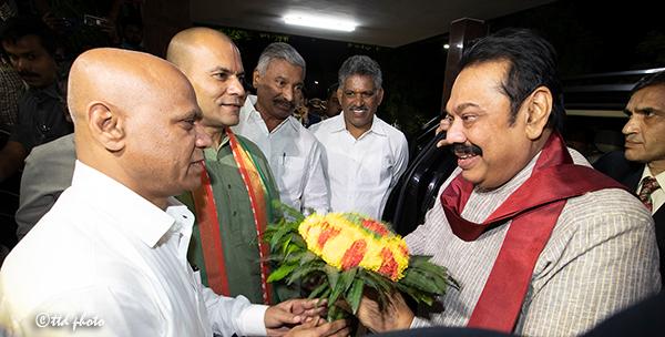 SRI LANKA PM SRI MAHINDA RAJAPAKSA RECEIVED BY TTD EO AND ADDL EO2