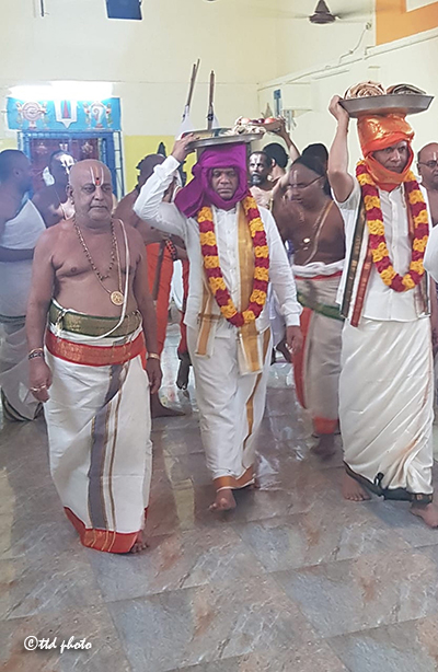 TTD EO PRESENTS SILK VASTRAMS TO SRI BHAKTAVATSALA PERUMAL