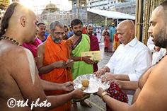 sri vishwa priya theerta swamiji 01