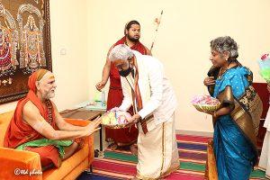 TTD CHAIRMAN met HH Jagadguru Sankaracharya Sri Sri Sri Swaroopanandendra Saraswathi Maha Swamiji Visakha Sarada Peetam