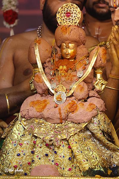 TTD Chairman donates Lakshmi Kasula necklace to Goddess Padmavati2