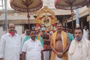 BHASHYAKARLA UTSAVAM COMMENCES IN SRI GT